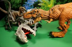 NEW JURASSIC WORLD STOMP AND STRIKE TYRANNOSAURUS REX 2015 REVIEW VS IND...