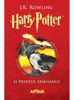 Într-o seară de vară, când Dumbledore ajunge pe Aleea Privet ca să-l ia pe Harry Potter, mâna în care-și ține bagheta este arsă și uscată, dar el nu dezvăluie de ce. Secretele și suspiciunile învăluie lumea vrăjitorească, nici Hogwarts nemaifiind un loc sigur. Harry este convins că Malfoy poartă Semnul Întunericului: un Mortivor se află printre ei. Harry are nevoie de vrăji puternice și prieteni adevărați ca să cerceteze cele mai întunecate secrete ale Lordului Voldemort, iar Dumbledore îl…
