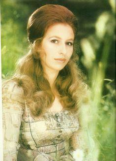 myroyalpassion:  british-royal-photos:  Princess Anne, 21st birthday photo, 1971. By Norman Parkinson.