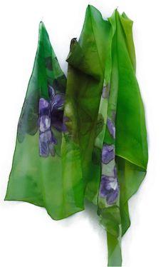 Artículos similares a Hand Painted Silk Scarf,  Handpainted Silk Shawl en Etsy