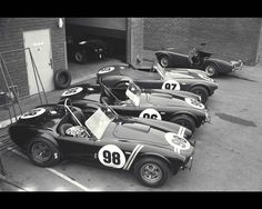AC Cobra 289 (1962-1965) (click on images to enlarge ...
