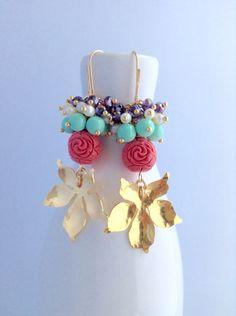 Zarcillos / earring / orquídeas en baño de oro