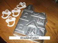 Wilton Haunted House Pan 1983 w Set of 4 Ghost Cookie Cutter