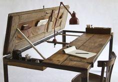 tavolo da disegno realizzato recuperando due vecchie ante