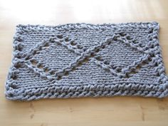 Chunky Gray Hand Knit Rope Cord Rug Rhombus Infinity by ELITAI
