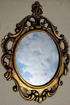 Espelho veneziano Ouro Velho    Espelho veneziano  moldura em resina      Kit composto por:  * 1 - Espelho Veneziano (80 x 60 cm )     Prazo de envio de 3 à 7 dias úteis.    Qualquer dúvida fique a vontade : ) R$ 300,00
