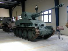 Ww2 Tanks, German Army, Colorful Interiors, Military Vehicles, Walking, English, World History, Photography, Army Vehicles