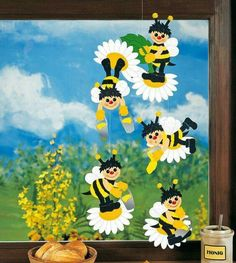 Creative Crafts, Diy And Crafts, Arts And Crafts, Paper Crafts, Board Decoration, Class Decoration, Ventana Windows, Diy For Kids, Crafts For Kids