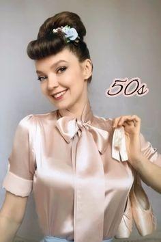 Vintage Elegant Silk Bow Tie Blouses for Women. Bow Tie Blouse, Sexy Blouse, Ruffle Blouse, Blouse Vintage, Vintage Dresses, Vintage Outfits, Formal Blouses, Satin Blouses, Women Wearing Ties