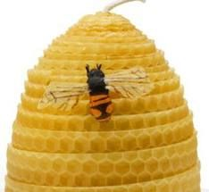 Beeswax Candles - Part 4 - Rolled Beehive Candles Beeswax Candles, Diy Candles, Scented Candles, Dyi Crafts, Crafts To Make, Candle Art, Jar Candle, Hives And Honey, Bees Knees