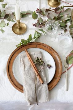 Thanksgiving Table Settings. | Table Settings | Dining | Table Decor | Tablescaping | #tables #tablescaping #tablesettings | www.foragekitchen.com