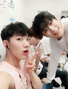 7.18.16 NCT Vyrl Update #SMTownOsaka - Ten, Yuta and Jaehyun