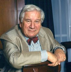 Ustinov ; a one-off whit ( & much more ! ).
