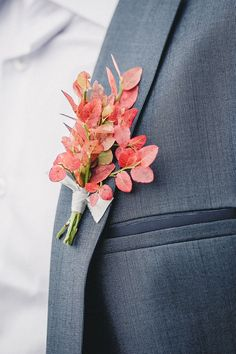 Autumn Boutonniere | Groom style for autumn wedding | fabmood.com #wedding #autumnwedding #fallwedding #groom