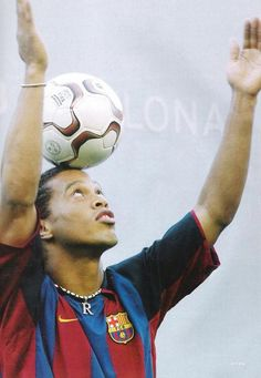 LEYENDAS DEL FÚTBOL. Ronaldinho, #Barcelona.
