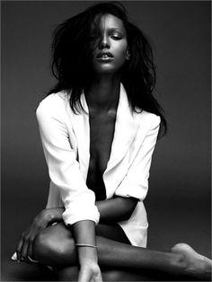 Jasmine Tookes - Vogue.it