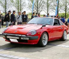 Nissan Z Cars, Jdm Cars, Ae86, Japanese Cars, Rally Car, Cars And Motorcycles, Paradise, Board, Vehicles