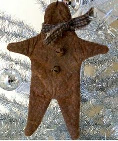 Primitive Quilts and Projects: Free Ornament Project ~ Cute early country gingerbread man ornie. Primitive Christmas Ornaments, Merry Christmas, Rustic Christmas, Simple Christmas, Primitive Christmas Patterns, Xmas Ornaments, Outdoor Christmas, Vintage Christmas, Primitive Quilts
