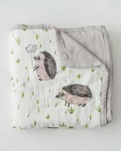 Hedgehog Deluxe Muslin Quilt - Spearmint LOVE