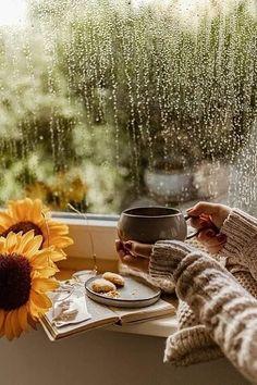 God's Love Never Fails, Foto Gif, I Love Rain, Winter Coffee, Day And Mood, Beautiful Arabic Words, Good Morning Greetings, Coffee And Books, Pot Sets