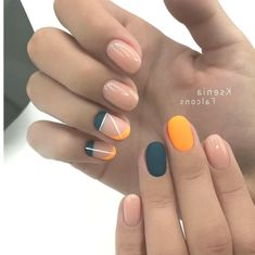 Try These 9 Geometric Nail Designs For Your Next Manicure Nail Art Yellow, Nail Art Pastel, Minimalist Nails, Red Nails, Hair And Nails, Cute Nails, Pretty Nails, Nail Art Noel, Geometric Nail Art