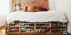 Decorating a small space can feel like it might be a big headache when you're trying to find furniture to fit! See five cool ideas you can DIY to make your space work. Slim Shoe Rack, Metal Shoe Rack, Small Apartments, Small Spaces, Quirky Bedroom, Shoe Rack Organization, Orlando, Rack Design, Find Furniture