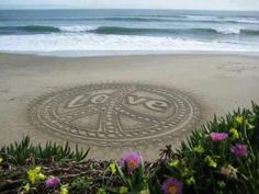 Sand drawing☮