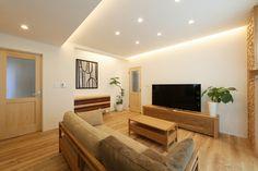 愛知・名古屋の注文住宅ならクラシスホームへ。自由設計でありながら価格を抑えてデザイン性の高い注文住宅をご提案しています。 Gaudi, Flat Screen, Home Decor, Home, Blood Plasma, Decoration Home, Room Decor, Flatscreen, Home Interior Design