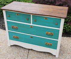"""How to remove chalk paint and wax - so you can """"re-chalk paint"""" a piece again. LOL. The Evolving Chest of Drawers"""
