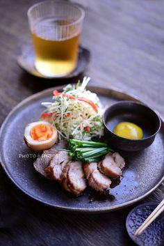 おつまみプレート Cafeteria Food, Food Places, Plate Lunch, Home Food, Asian Cooking, Snack, Food Presentation, Clean Recipes, Food Design