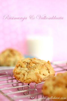 Pullahiiren leivontanurkka: Riisimuro-valkosuklaakeksit / Rice krispies white chocolate Cookies