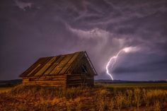 Barn Lightning Sky Clouds - See more on Classy Bro Lightning Sky, Lightning Strikes, Wooden Barn, Wooden House, Georg Trakl, Storm Photography, Landscape Photography, Photography Ideas, Nature Photography