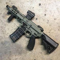 观看 @gunsdaily 发布的照片 · 17.7K 次赞 Speed up and simplify the pistol loading process with the RAE Industries Magazine Loader. http://www.amazon.com/shops/raeind