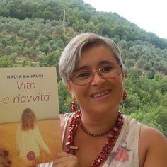 """Nadia Banaudi e il suo romanzo """"Vita e Riavvita"""". Vi leggo un brano dedicato al lavoro delle donne e alla storia di Tecla Buon ascolto #pillole d'Autore #audiorecensione http://www.elenaferro.it/vita-riavvita-nadia-banaudi/ #racconti #recensioni"""