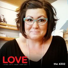 Angie wears the 4302