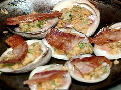 Get Flo's Clams Casino Recipe from Food Network. I'm going to substitute the bacon with pastrami or corned beef. Clams Casino, Clam Recipes, Seafood Recipes, Cooking Recipes, Seafood Meals, Shellfish Recipes, Clams Oreganata Recipe, Healthy Snacks, Historical Romance
