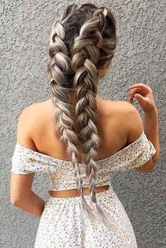 24 Easy Summer Hairstyles To Do Yourself Our collection of easy summer hairstyles will help you to look drop dead gorgeous on the beach or poolside. And the best thing is that these hairstyles will be ideal not only for dry but also for wet hair. http://glaminati.com/easy-summer-hairstyles/