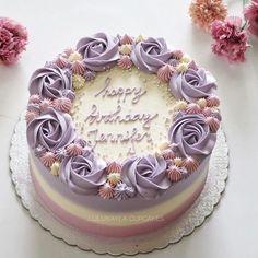 Birthday cake decorating ideas kuchen 65 ideas for 2019 Buttercream Flower Cake, Cake Icing, Cupcake Cakes, Buttercream Birthday Cake, Cake Fondant, Buttercream Cake Designs, Buttercream Cake Decorating, 3d Cakes, Fondant Flowers