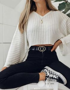 cute outfits for school for highschool & cute outfits ; cute outfits for school ; cute outfits with leggings ; cute outfits for winter ; cute outfits for women ; cute outfits for school for highschool ; cute outfits for spring Cute Comfy Outfits, Stylish Outfits, Work Outfits, Stylish Girl, Cute Casual Outfits For Teens, Outfits With Jeans, Outfits For Girls, Teenage Outfits For School, Back To School Outfits Highschool