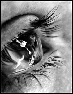 Check out my other Eye drawing: Since I've been on devART, I've noticed that a lot of my devART friends have done close-up drawings of eyes. The World Through My Eyes. Photo Oeil, Art Sketches, Art Drawings, Regard Animal, Realistic Pencil Drawings, Realistic Eye, Art Advisor, Up In Smoke, Eye Photography