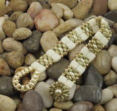 SUPERDUO CZECHMATE TILE Bracelet - Ultra Green Luster SuperDuos - IvoryTiles - Gold Seed Beads - Beaded Flower Button(SD128)