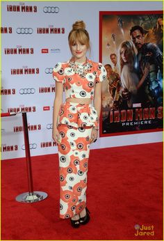 bella thorne iron man 3 premiere 04, Bella Thorne hits the red carpet at the premiere of Iron Man 3 held at El Capitan Theatre on Wednesday night (April 24) in Hollywood.    The 15-year-old actress…