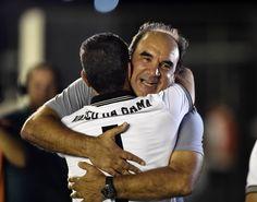 Ricardo Gomes se emociona e agradece homenagem de vascaínos #globoesporte