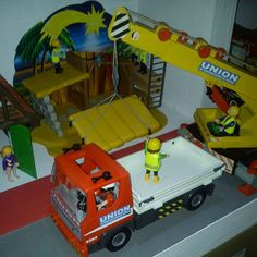 Montaje de portal de belén en Click City. Mounting Nativity scene in Click City. #playmobil #navidad #nacimiento #belen #nativity #Christmas #click #city #playmobile #playmofan #scene #diorama