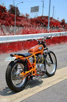 Yamaha XS250 - Flakes - Inazuma Cafe Racer