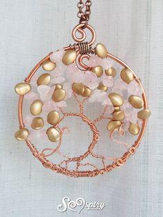 Bellissima collana con ciondolo albero della vita, un regalo perfetto, un gioiello speciale da indossare vicino al cuore con le iniziali delle persone