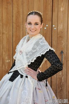 Spanish Costume, Folk Costume, Costumes For Women, Georgian, Traditional Dresses, Costume Design, Fasion, Party Dress, Tulle