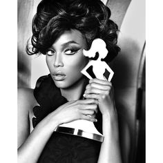 Tyra Banks Portfolio fiercee awards ❤ liked on Polyvore featuring models, tyra banks, backgrounds, people and pictures