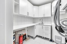 Galleribilde Stacked Washer Dryer, Washer And Dryer, Washing Machine, Home Appliances, Real Estate, Design, Patio, Cloakroom Basin, House Appliances