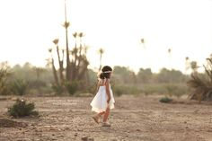 Family photo session in Marrakech - Palmeraie - Morocco by Veronique Schotte Photography